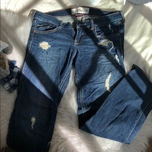 HOLLISTER ripped cropped jeans